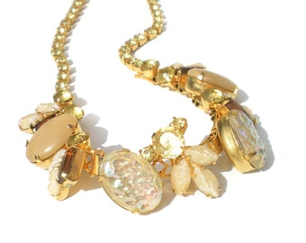 Molded Glass Necklace Iridescent White Nugget Art Glass & Leaves with Yellow Rhinestones on Gold Tone - Formal Vintage Jewelry 15""