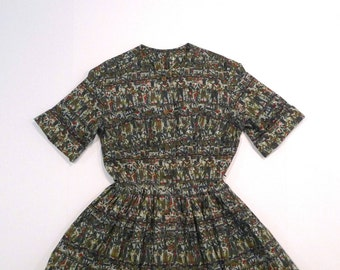 Shirtwaist Dress Vintage Egyptian or Roman Print Dress with Belt 1950s 60s Short Sleeve bouffant full skirt rockabilly swing Penn State Belt