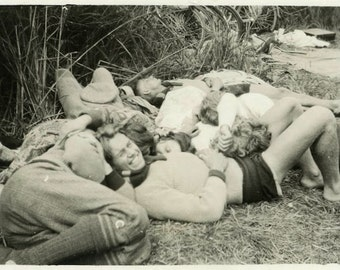 """Vintage Photo """"Napping with Friends"""" Snapshot Antique Photo Old Black & White Photograph Found Paper Ephemera Vernacular - 14"""