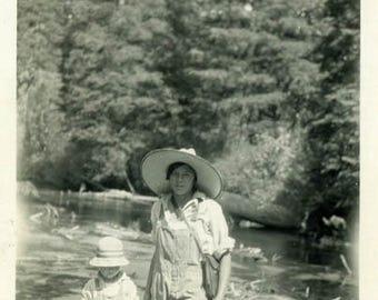 "Vintage Photo ""The Frog Hunters"" Snapshot Antique Photo Old Black & White Photograph Found Paper Ephemera Vernacular - 138"