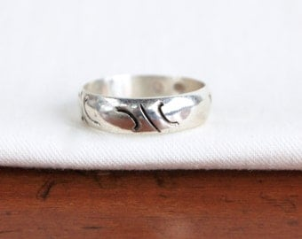 Vintage Mexican Ring Sterling Silver Band Size 8 Cut Out Hollow Band Taxco Mexico Unisex Jewelry Under 20