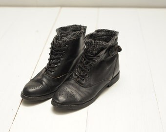 Vintage Sweater Cuff Black Leather Ankle Pixie Boots, Womens 8 / ITEM315