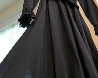 Victor Costa Black Ruffle dress Vintage Size 14