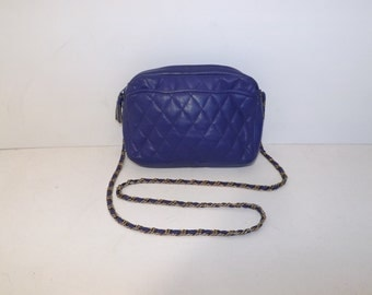 Vintage 1980s purple real leather quilted shoulder bag handbag with chain strap by Tula