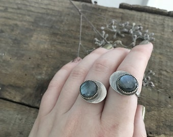 crescent moon ring - labradorite ring - sterling silver labradorite ring