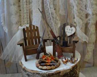 Deer hunter wedding cake topper hunting groom bride gun camping rustic wood sign campfire hunting themed camouflage rifle buck doe antler