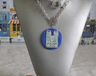"""Collier plastron pendentif en céramique """"Notre Dame de Paris"""