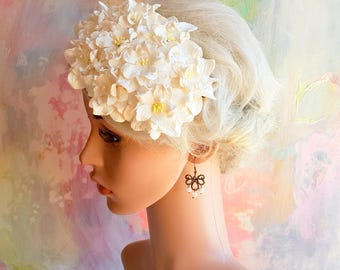 Floral Fascinator Bridal Hair Flower Artisan Head Piece Cocktail Hat Vintage Style Wedding Accessory Derby Tea Party