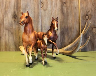Breyer Horses Horse Family Mare Stallion Colt Figurine Statue Collectible Home Decor Vintage 1980s 80s (K)