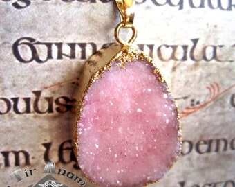 Necklace with pink druzy