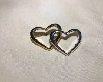 Vintage Brooch: Intertwined Hearts