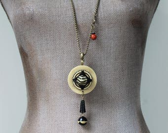Art Deco Necklace Long, Black and Cream Deco Jewelry, Rope Chain Necklace, Vintage Button Necklace, Deco Button Jewelry veryDonna