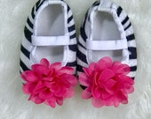 CLEARANCE SALE - Newborn Baby Girl Crib Shoes, Zebra Hot Pink, Baby Girl Accessories, Baby Shoes, Baby Photo Prop, Baby Girl Gift