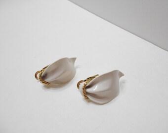 Vintage White Enamel Pierced Earrings (8364) Napier