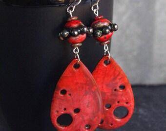 tear drop earrings,red drop earrings,red chandelier earrings,red dangle earrings,black and red,fashion earrings,modern earring,mothers day