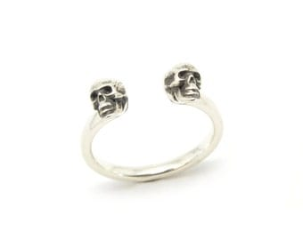 Silver Skull Ring, Double Skull Ring, Sterling Silver Ring, Contemporary Jewellery, Goth Ring, Unique, Statement Ring, Duo Calvariam Ring