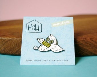 Owl Mail Enamel Pin Badge: 30mm cute animal snowy owl brooch or lapel pin. For you, birthday for best friend or Harry Potter enthusiast!