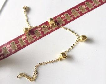 Dainty charm bracelet - Jingle bells bracelet - Winter wedding jewelry - Christmas jewelry - Stocking stuffer - Xmas gift - Gold bracelet