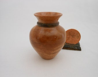 Mini #Maple Vase With Stained Neck Ring