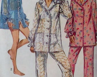 Vintage 1960s Simplicity Womens pajamas, cover-up, bra and panties Sewing  Pattern #8552  Size 14 Bust 34