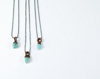 Raw apatite necklace | Delicate Necklace | Tiny apatite necklace | Apatite jewelry
