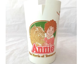 Annie The Movie of Tomorrow Pitcher, Coca Cola Little Orphan Annie Plastic Pitcher, Daddy Warbucks, Punjab, Annie and Sandy, 1982 Tribune Co