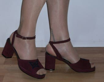 Adorable late 1960s / 1970s ankle strap platforms w/butterfly appliques  US 7 1/2 UK 5 1/2 wider fit