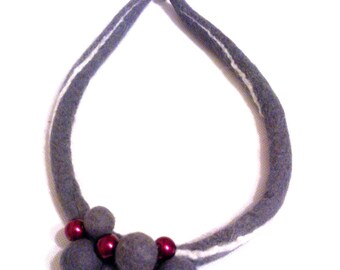 Felted necklace. Collar. Felt jewelry. Felt necklace. Handmade