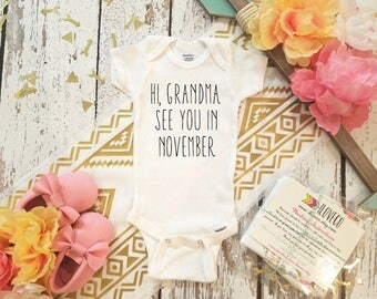 Hi Grandma Bodysuit / We're Pregnant!  / Guess Who's Going to be a Grandparents?  / Pregnancy announcement gift / Custom I'm Pregnant gift