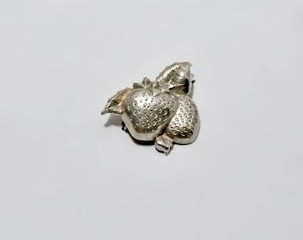 Sterling Silver Strawberry Brooch Pin Vintage Jewellery Fruit