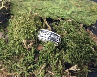 Men's silver Irish Celtic claddagh ring