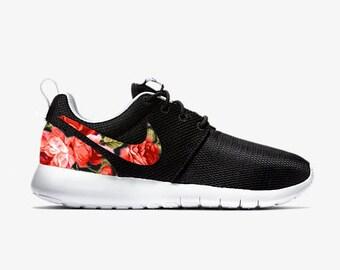 nike roshe run motif floral