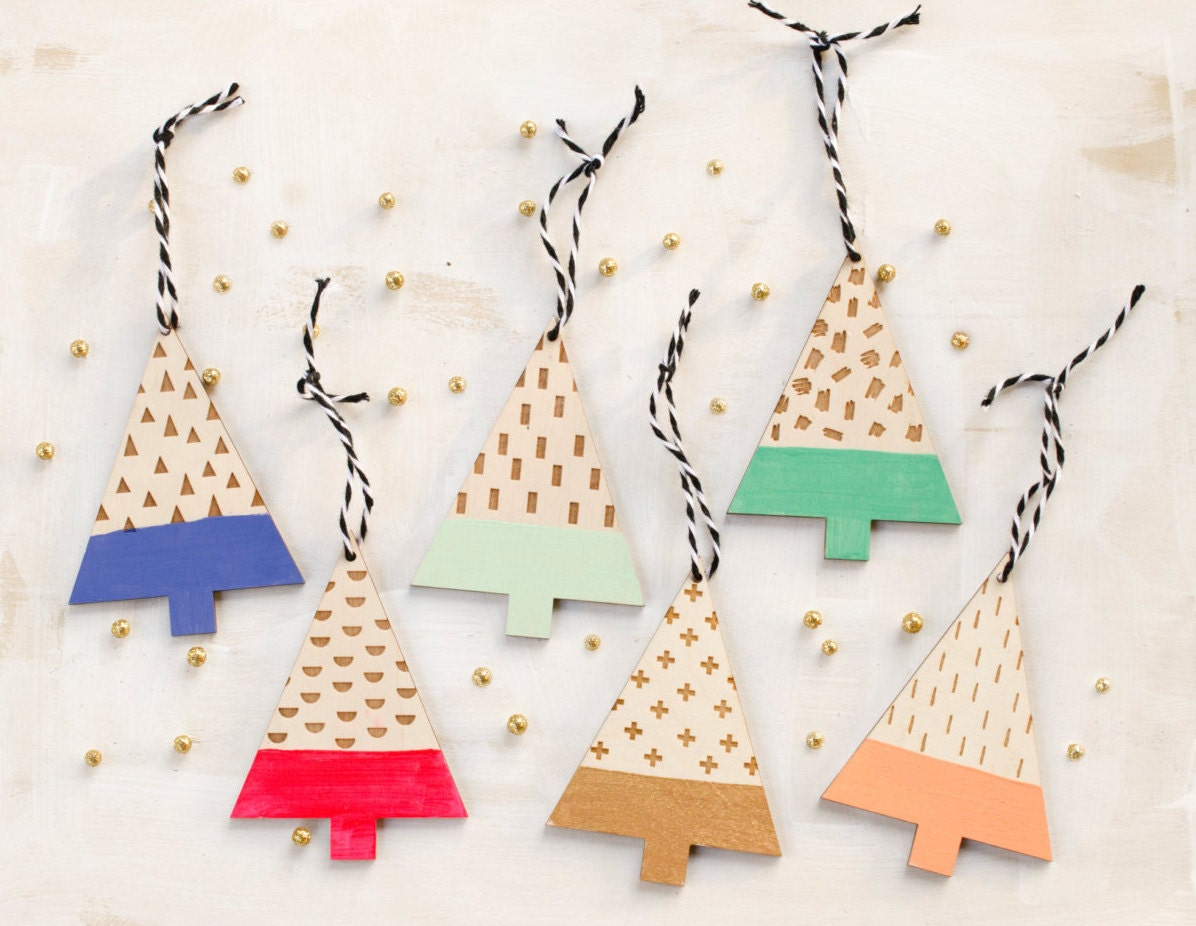 Modern christmas tree wooden ornaments set of 3 by jillmakes for Contemporary ornaments for the home