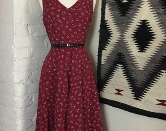 Pretty Vintage 70s Calico Style Red Dress
