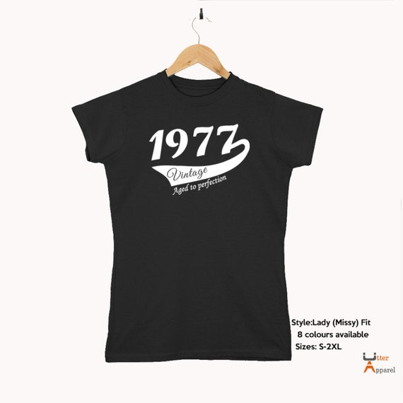 40th Birthday Gift For Woman 1977 Vintage  T shirt present for fortieth birthday