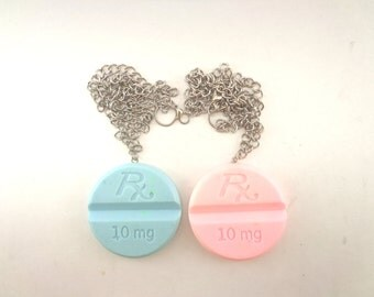 Chunky pill necklace