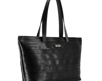 Big tote laptop bag with light inside, made of recycled seatbelt. Fits a folder or a laptop. MODEL: SWING L - SEATBELT