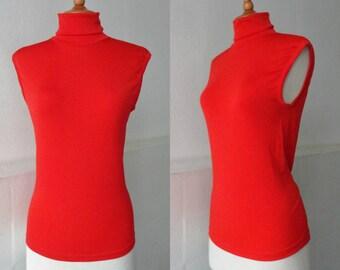 70s Sleeveless Vintage Turtleneck Top // Red // Nylsuisse