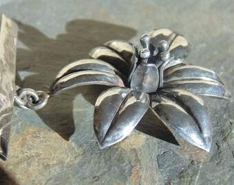 Victoria ~ Vintage Ana Maria Nunez de Brilanti - Taxco Sterling Flower Bar Pin / Brooch