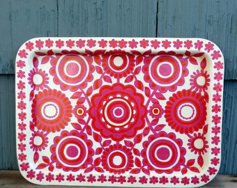 Metal serving tray featuring mod floral pattern, bright and bold pink, by XLON London