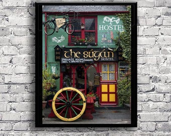 Irish pub photography in Ireland - Colourful youth hostel of irish street - Wall art - Printable poster - Door and house in Ireland