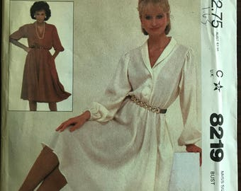 McCalls 8219 - 1980s Easy to Sew Pullover Dress with Blouson Bodice and Shawl Collar - Size 16 Bust 38