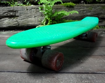 Vintage Green Skateboard // 1970's Skateboard