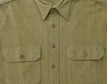 Vintage WWII ~ US Army Wool Flannel Field Shirt ~ S to M ~ OD ~ Gussets ~ Military Uniform ~ 1930s / 1940s ~