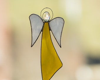 Beautiful European Style Stained Glass Angel - Yellow w/Beveled Jewel