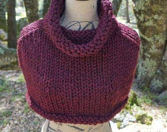 Hand Knit Purple Capelet, Knitted Shrug, Knitted Poncho, Burgundy Capelet, Burgundy Poncho, Neck Warmer, Knitted Cowl