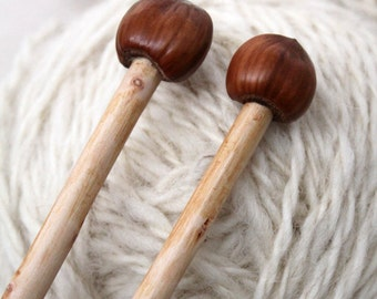 knittingneedles with acorn ends handcarved from sustainable wood