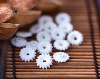 Vintage Flower Beads White Plastic Flower Beads 10mm