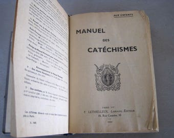 French Catechisms Manual For Children 1939 Paris For Use In The Diocese of Versailles Dried Flowers Holy Cards
