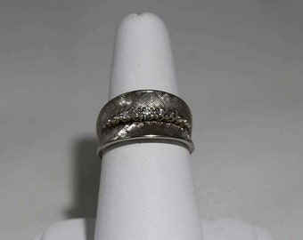 14K White Gold 5 Diamond Etched Concave Ring